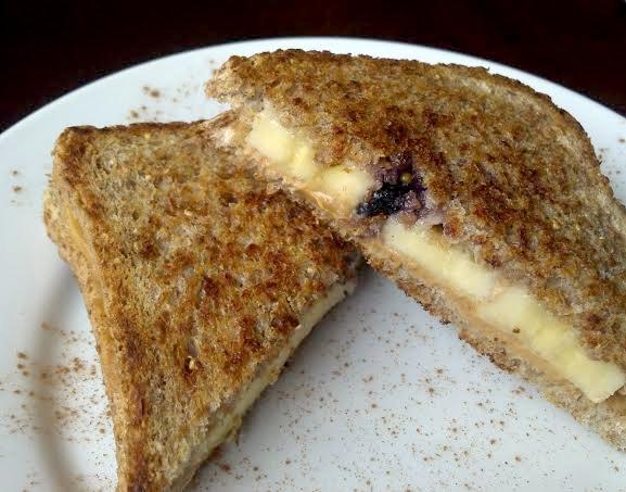 pb blueberry banana sandwich 7