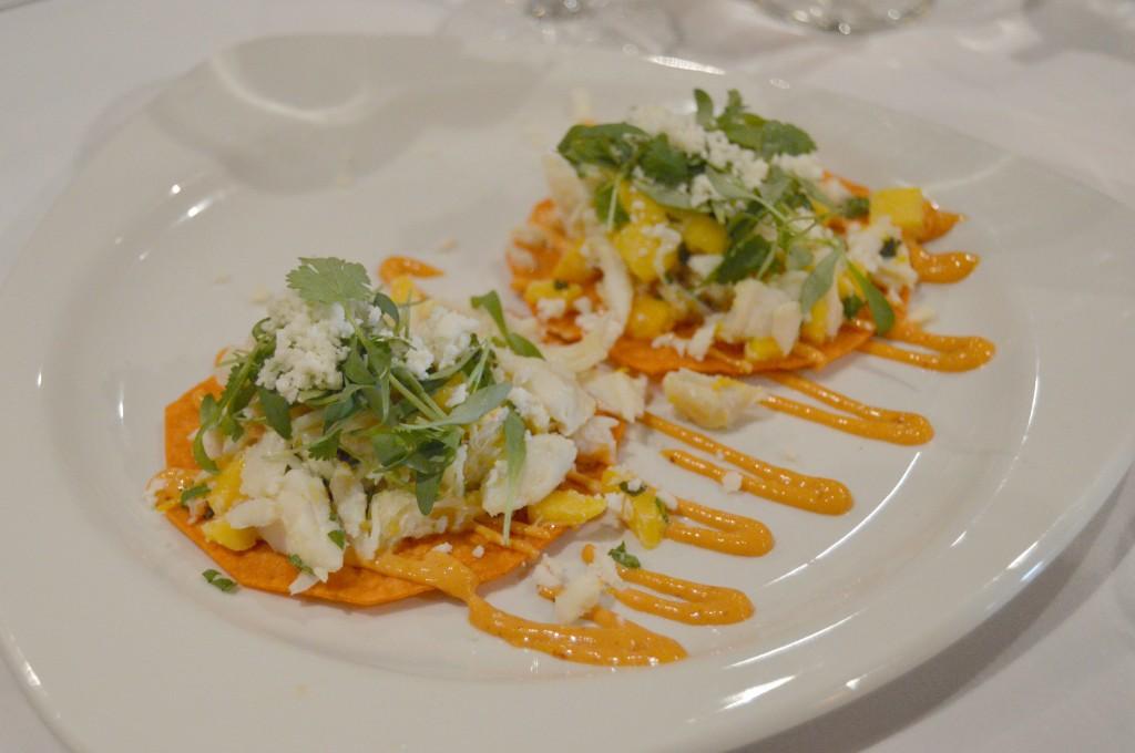 Cantina Laredo crab chalupas