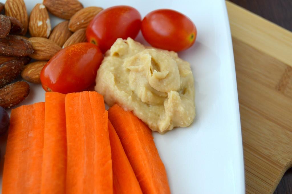 veggies hummus snack