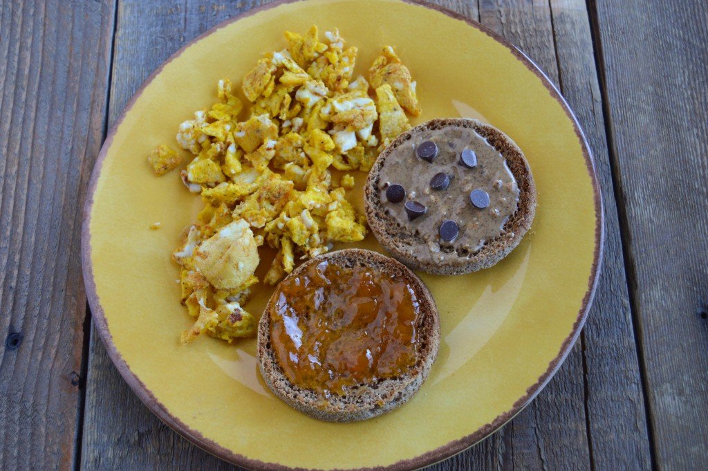 eggs english muffin breakfast