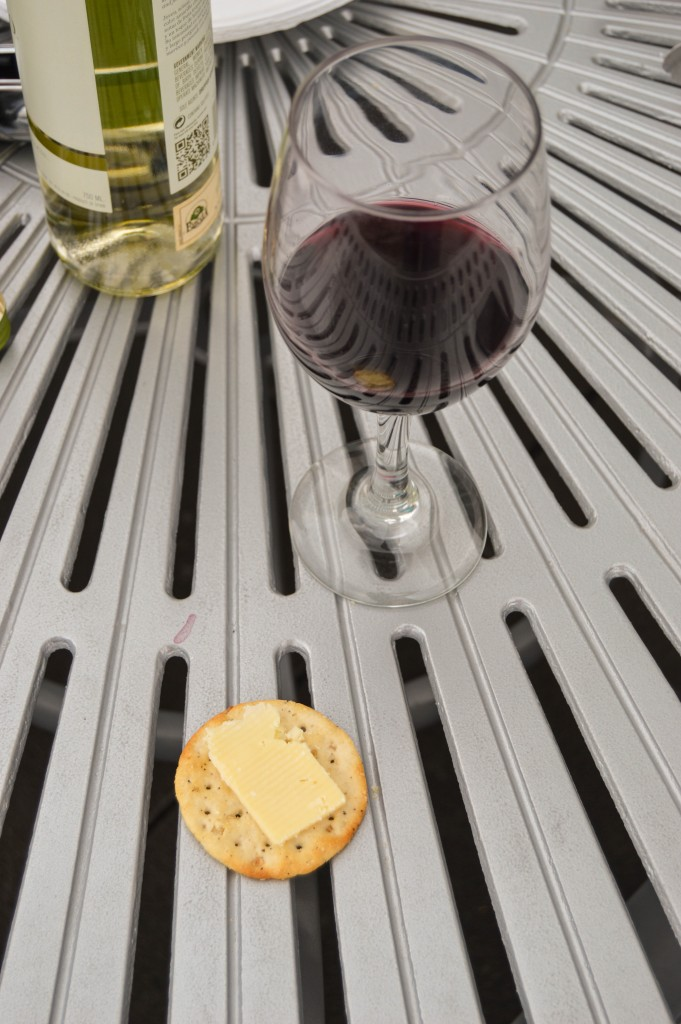 wiaw_crackers_cheese_wine