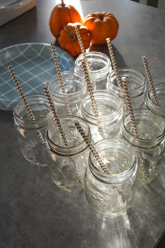 Friendsgiving mason jars