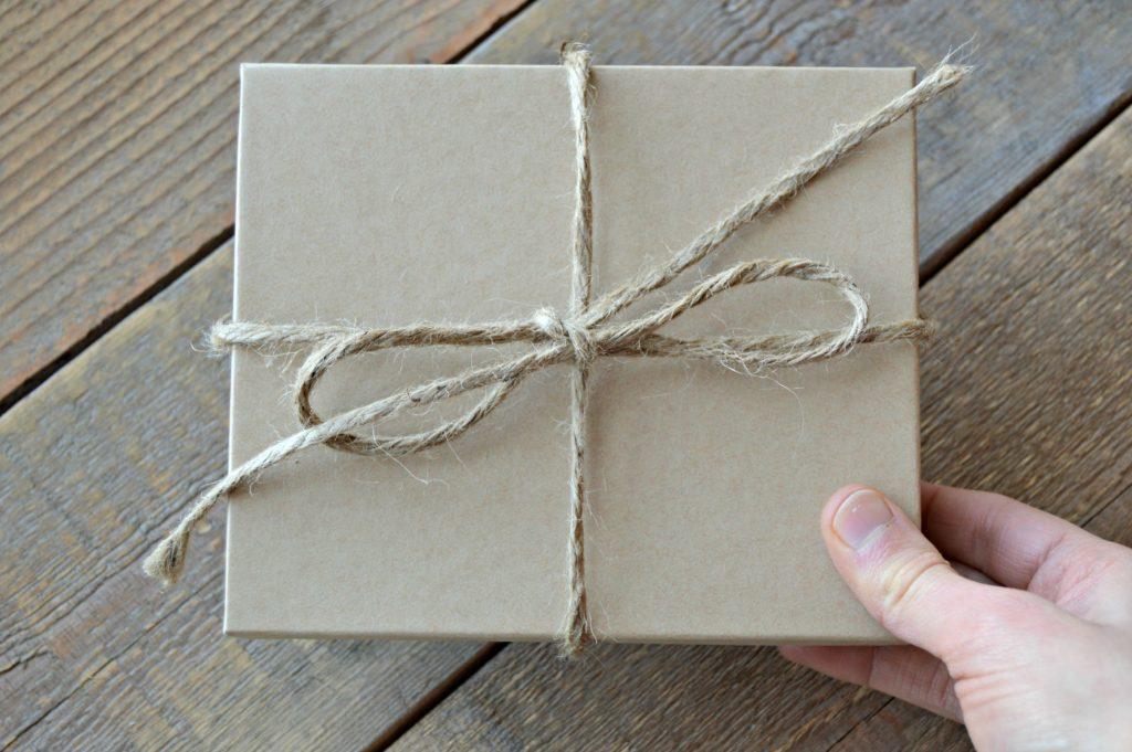The Best Bridesmaid Gift Ideas | cleaneatingveggiegirl.com #wedding #engaged