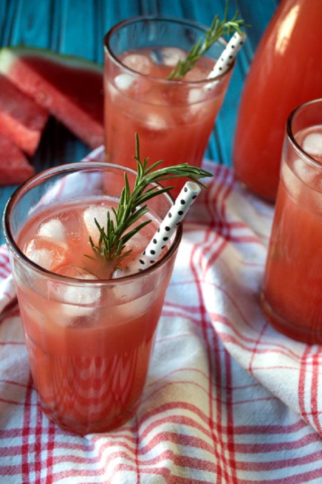 Healthier Lemonade Recipes that are perfect for Summer! | cleaneatingveggiegirl.com