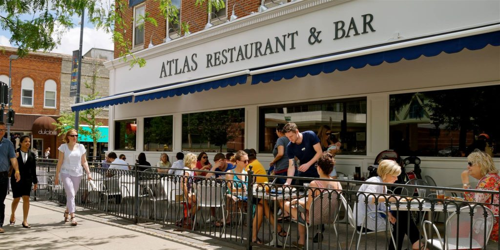 Iowa City Eats Gluten-Free: Atlas, Scratch Cupcakery, and QDogs BBQ Company reviews | cleaneatingveggiegirl.com